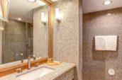 Avenue-of-the-Arts-Hotel-Guestroom-Bathroom