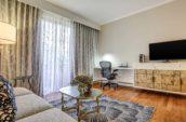 Avenue-of-the-Arts-Luxury-Costa-Mesa-Hotel-King-Guestroom
