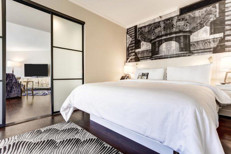 Costa-Mesa-Tribute-Hotel-Executive-Suite-Bedroom