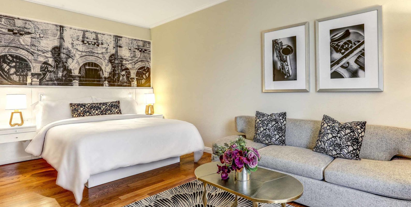 Deluxe King Room at Avenue of the Arts Costa Mesa