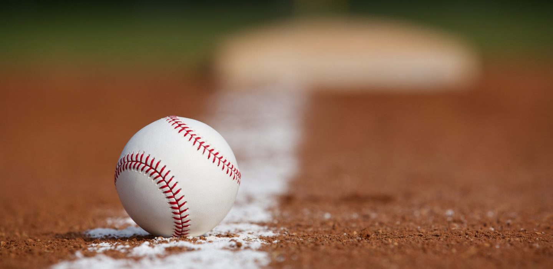shallow focus photography of white baseball