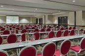 lux1757mf-194469-Gallery-meeting-room
