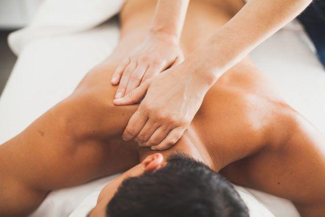 the-wick-hotel-hudson-spa-massage-treatment