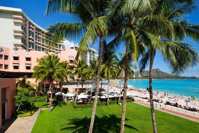 lux376ag-135710-royal-hawaiian-hotel-meetings-Ocean-Lawn-Med