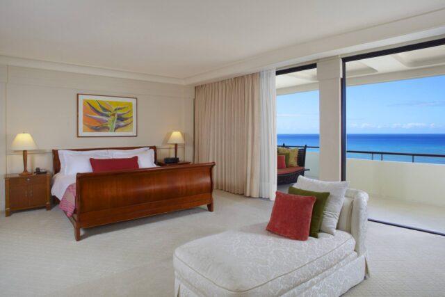 lux376gr-113139-The-Royal-Hawaiian-Alii-Suite-Master-Bedroom-Med