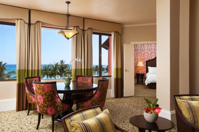 lux376gr-167917-Royal-Hawaiian-Historic-Ocean-Suite-Med