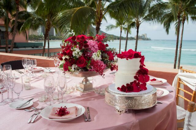 lux376ls-156157-royal-hawaiian-hotel-monarch-terrace-Wedding-Kamehameha-Suite-Med