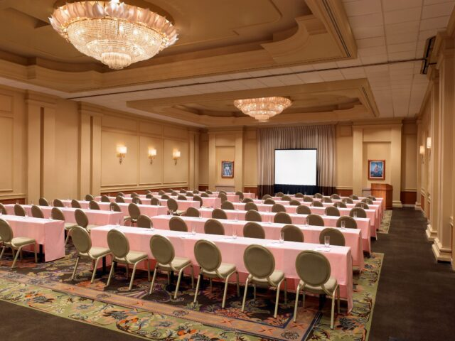 lux376mf-153453-royal-hawaiian-hotel-meetings-Regency-Room-Med