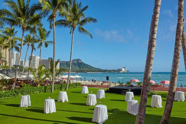 lux376mf-210858-royal-hawaiian-hotel-meetings-Ocean-Lawn-Med