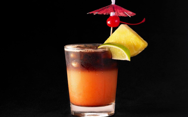 Mai Tai bar cocktail