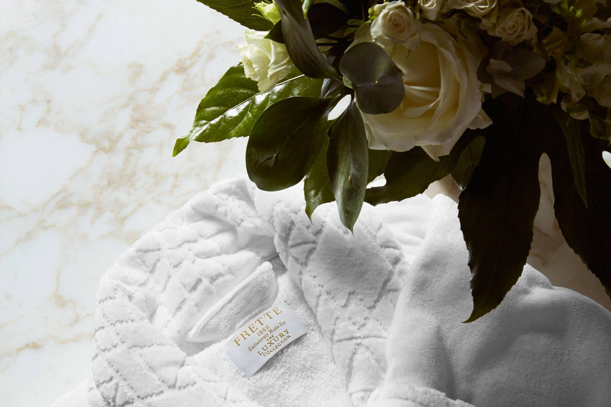 white rose flower in vase