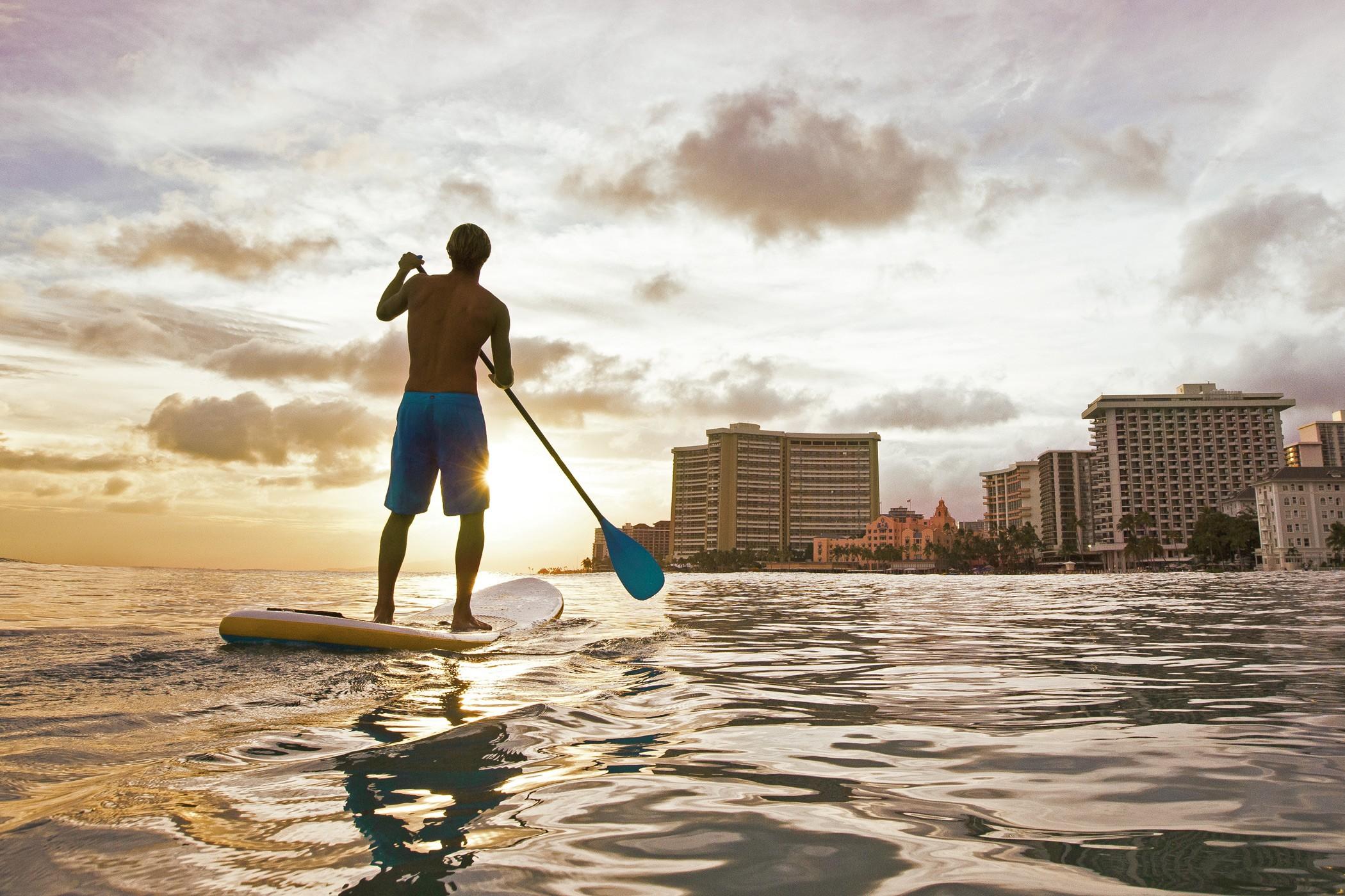 royal-hawaiian-luxury-collection-resort-honolulu-surfer