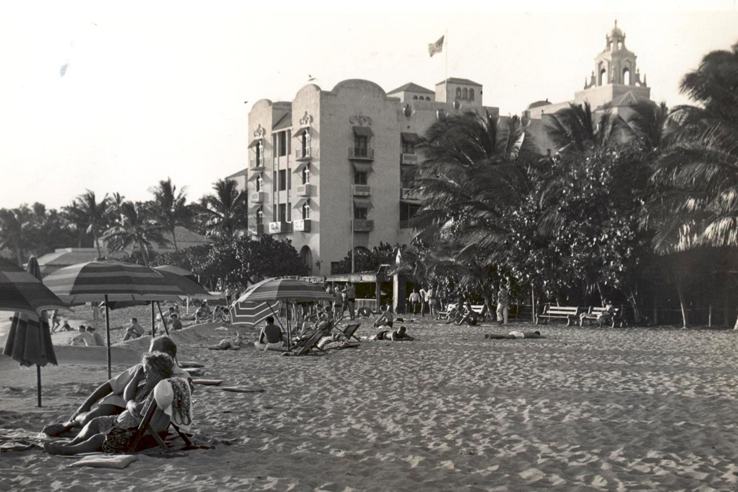 swh-31200-royal-hawaiian-hotel-photo-gallery-hotel-history-Med