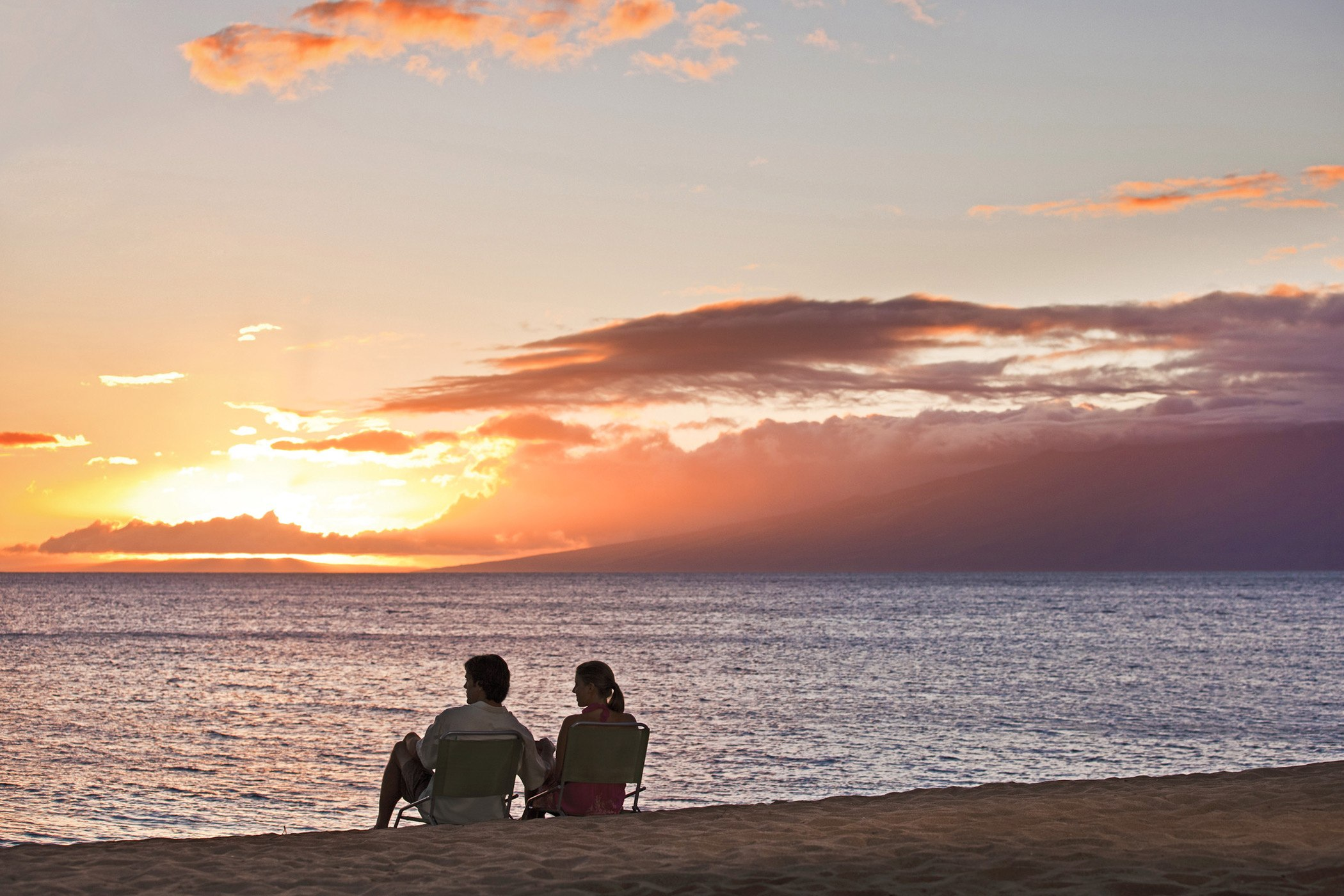 The-Royal-Hawaiian-Luxury-Collection-Resort-Package-Offer-Sunset