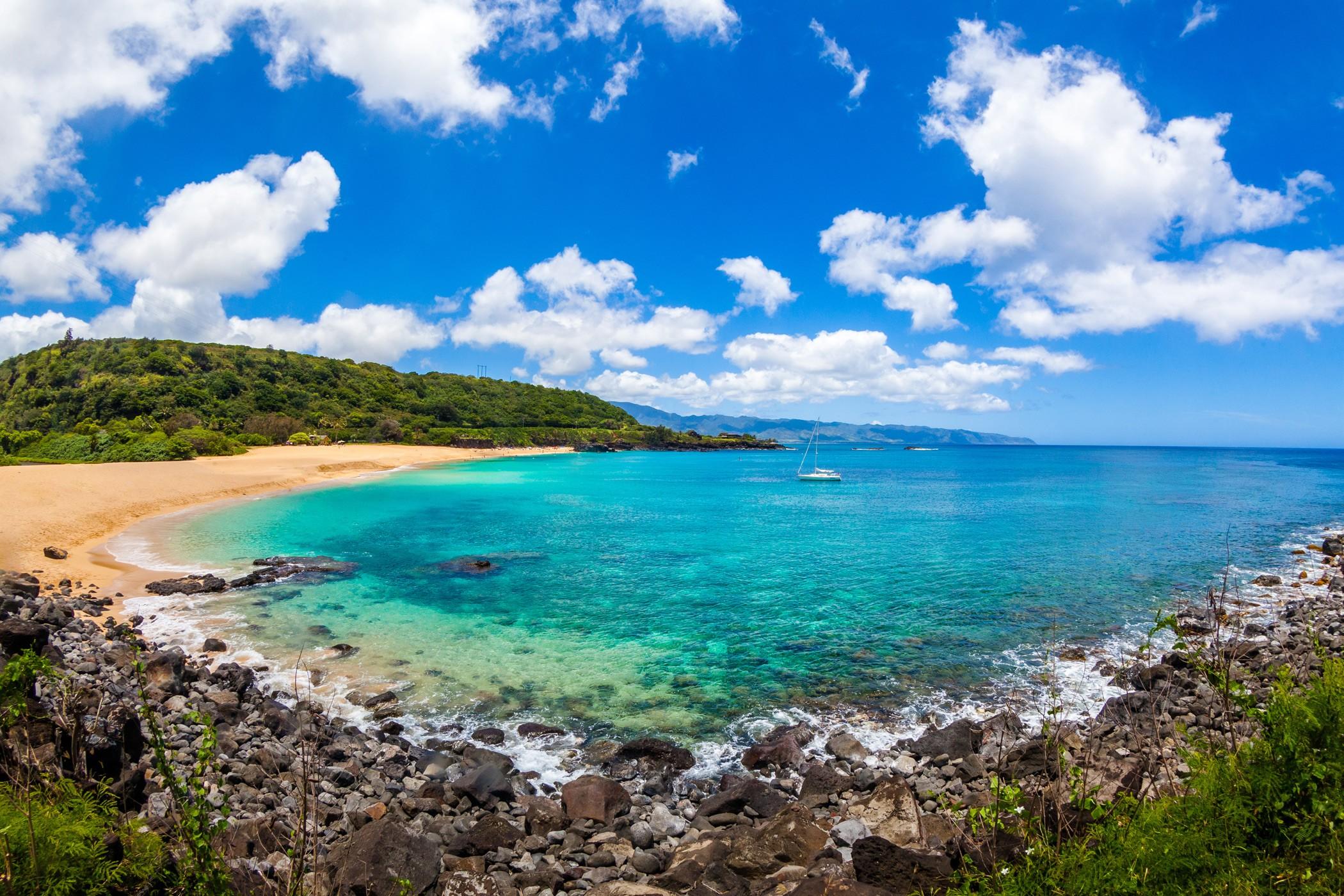 The-Royal-Hawaiian-Resort-Local-Attraction-Waimea-Bay