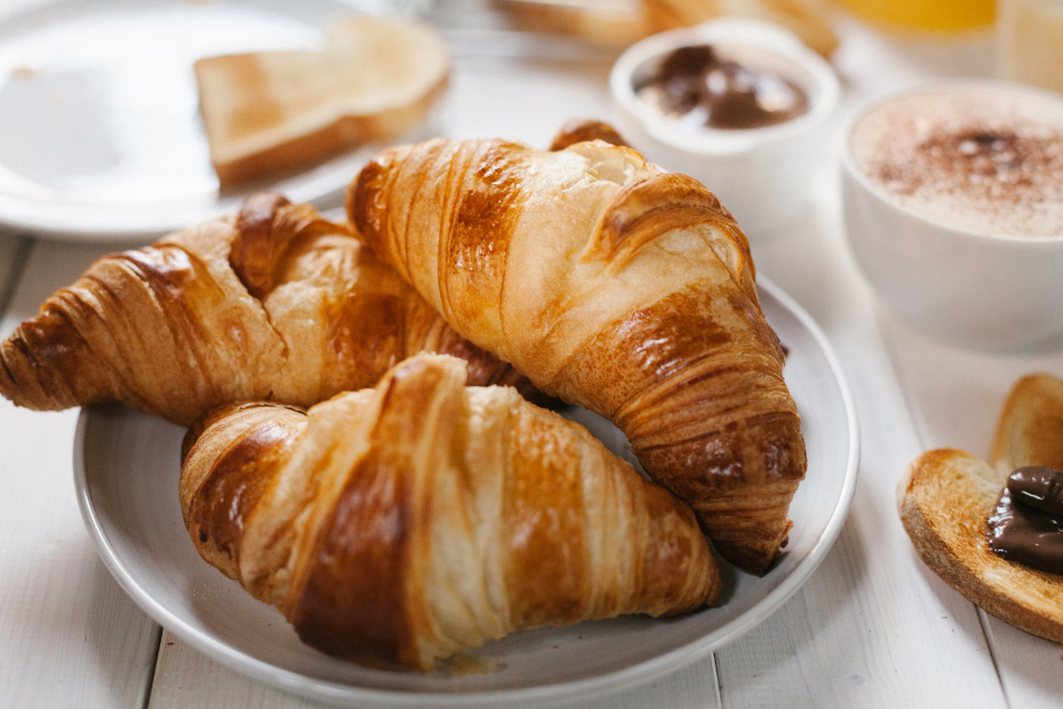 royal-hawaiian-hotel-luxury-collection-breakfast-croissant