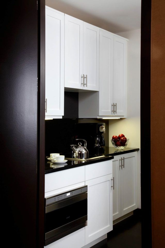 The-Chatwal-Luxury-Collection-Hotel-New-York-Directors-Suite-Pantry