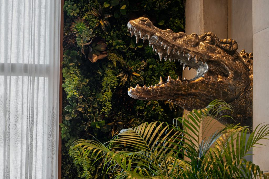 lobby detail alligator