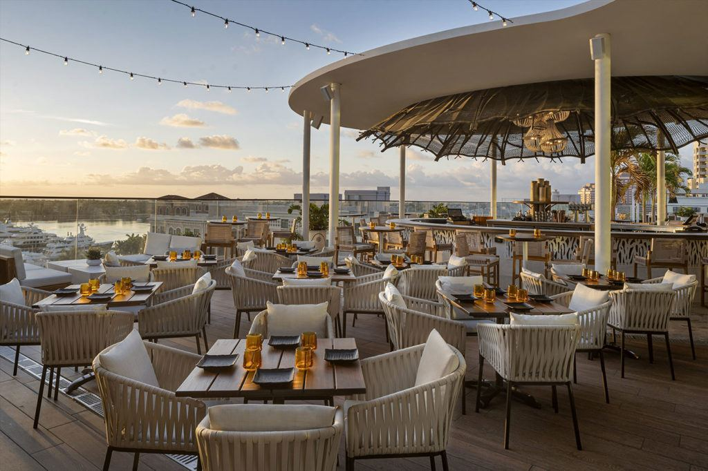 Spruzzo restaurant seating