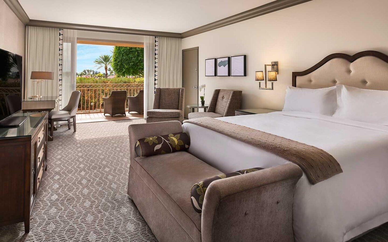 Deluxe executive suite bedroom