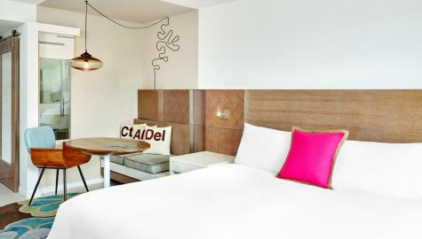 Royal Palm South Beach Hotel | Deluxe King Guest Room