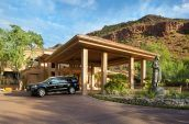 Canyon Suites Porte Cochere