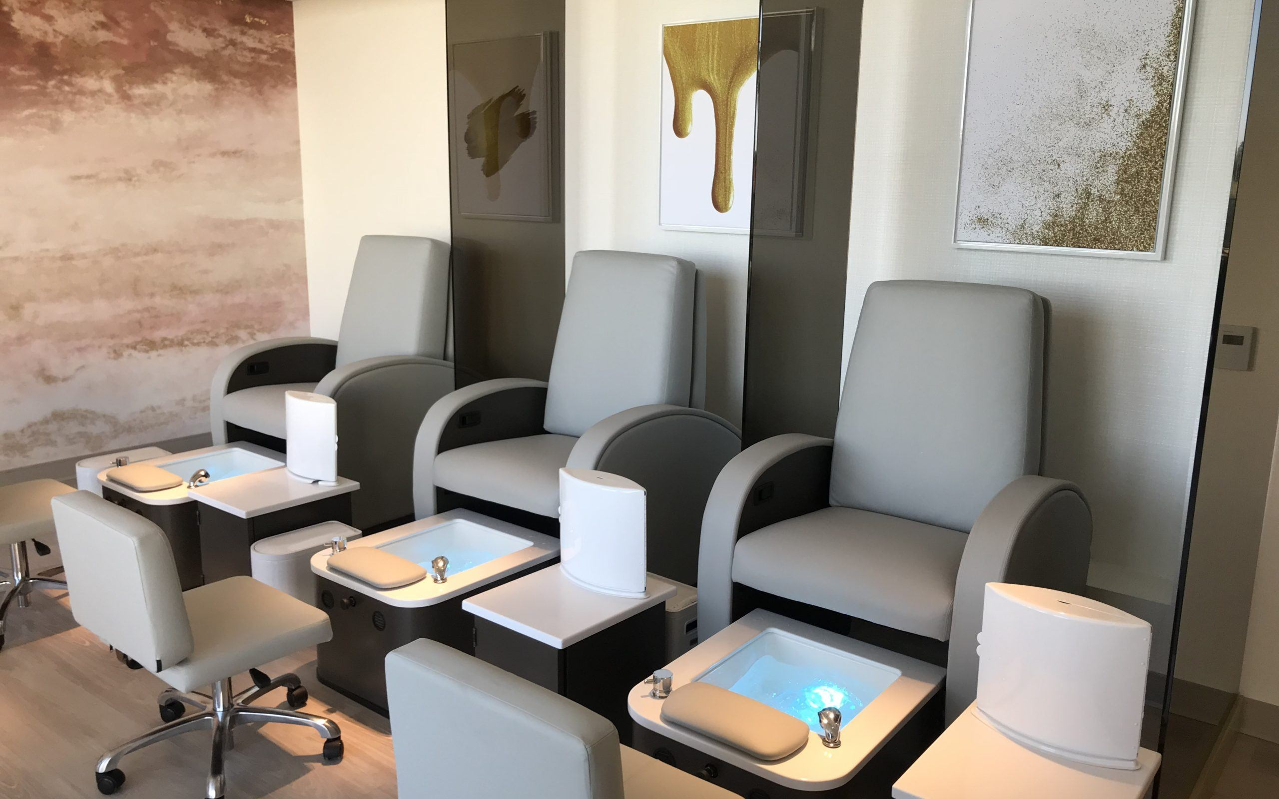 Nail Lounge Chairs 1